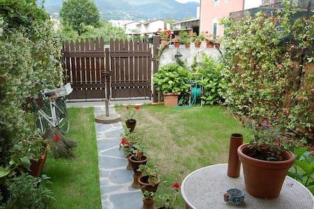 Villa in Versilia 5 minuti in bici dalla spiaggia - Capanne-Prato-Cinquale