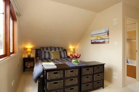 The Loft: quiet, private & cosy - close to town - Cambridge - Loft