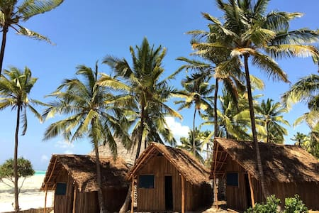 Mnana Beach Bungalows Double room with sea view 4 - Pingwe