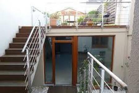 Tranquillité atypique absolu sur 130m² + terrasse - Huis