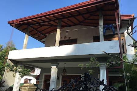 Joey's house - Aluthgama - House