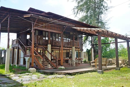 Village 19 Riverside House Close To Beach - Langkawi - Maison