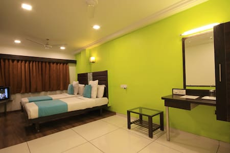 hotel kadamb inn - Ahmedabad - Bed & Breakfast