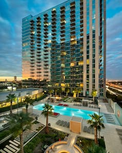Skyline View and Great Location! - Houston - Wohnung