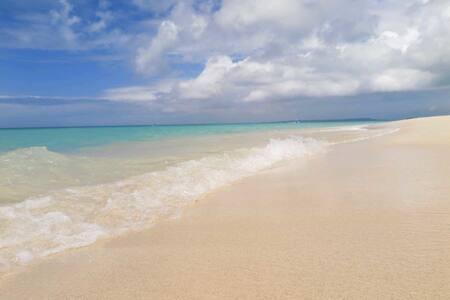 南の小さな離島で、暮らすように旅しませんか!世界一アットホーム☆男女混合ドミトリープラン! - Miyakojima - Bed & Breakfast
