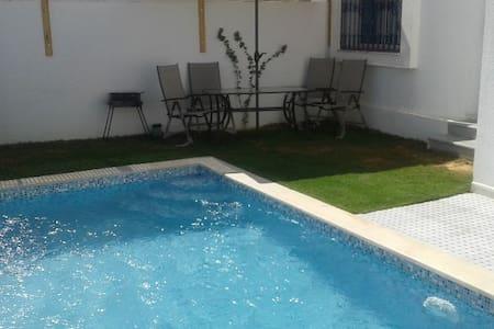 Charming single storey villa with swimming pool - Djerba Midun - House