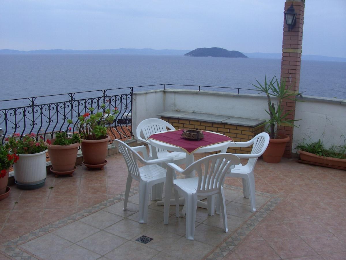 Недвижимость в Неос Мармарас на побережье цены