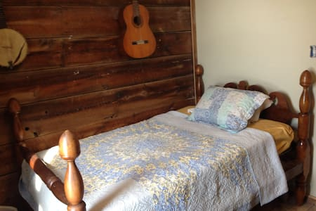 Private Bedroom at Better Farm - Bed & Breakfast