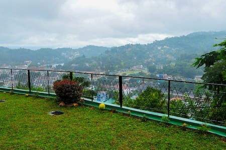 Beautiful B&B Suite. 1.6km to the city - Kandy - Bed & Breakfast