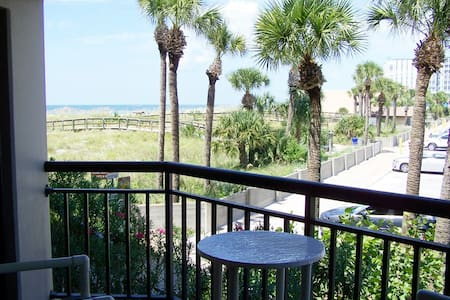 Charming Tropical Beach Condo - Saint Pete Beach - Condominium