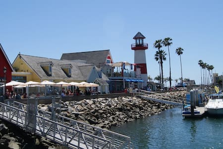 Bike to Oceanside Harbor and Beach - Lakás