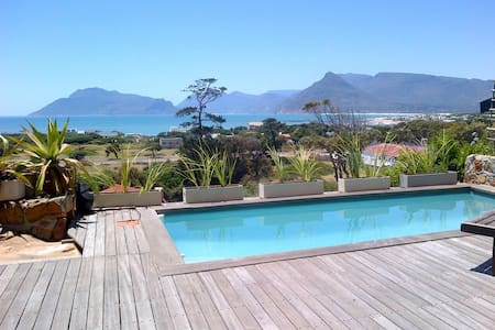 Lovely sea view holiday apartment - Appartement
