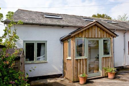 Peaceful single room in Dartington, Totnes. - House