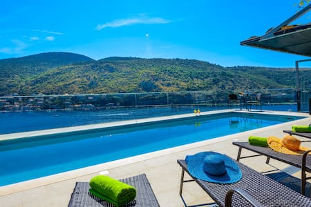 Apartment with pool near Dubrovnik - Appartement