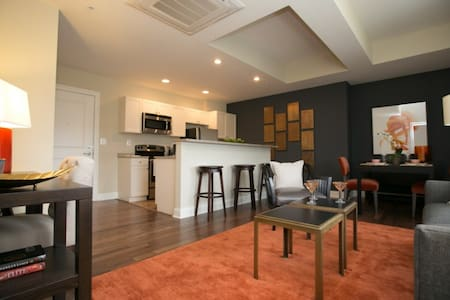 Fantastic Downtown Location!