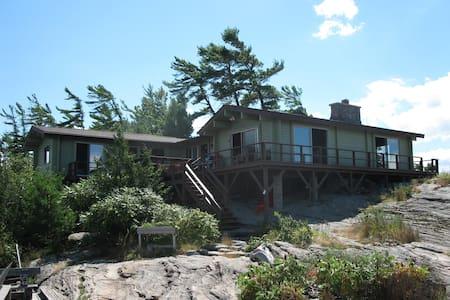 Beautiful cottage on Georgian Bay - Cabin