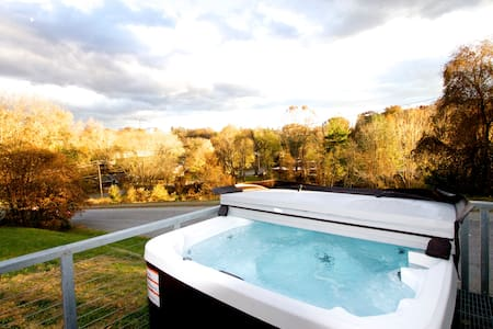Walk to RAD-Bike Downtown-Hot Tub- - Asheville - House