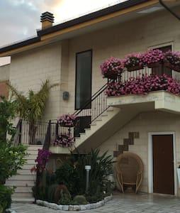 Panoramico appartamento in paese - San Nicandro Garganivo - Flat