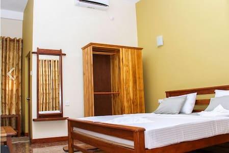 Vista Rooms Helambagaswela road - Huis