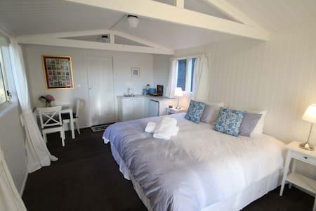 Braeside Studio - Enjoy your stay! - Bed & Breakfast