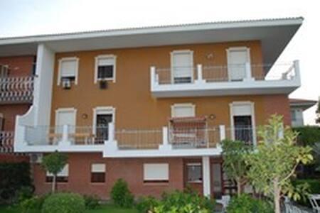 Fantastica villa sul mare Jonio - Villa