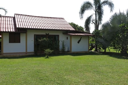 Comfortable Bungalow and Pool - Bungalow