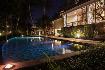 Labak River Hotel offers exceptional service, great views over the river valley and a huge outdoor pool.  Enjoy your stay in UBUD tucked away from the hectic life in the city but only 5 min. to get into the middle of everything!