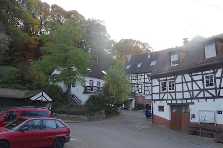 Märchenhaftes mordenes Häuschen - Dörrenbach