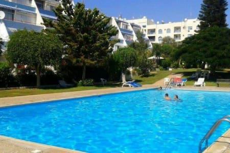 Sea & pool view flat near the beach - Agios Tychon - Huoneisto
