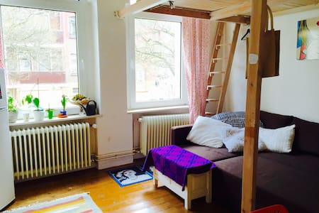 Cozy apartment in center east side - Braunschweig - Apartment