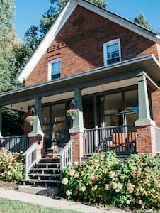 Unique Historic Charmer - Huntsville
