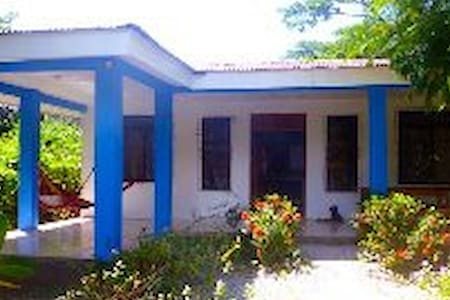 Room type: Entire home/apt Property type: House Accommodates: 6 Bedrooms: 4 Bathrooms: 2
