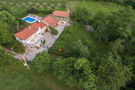 Villa Stori Grod - Nedešćina
