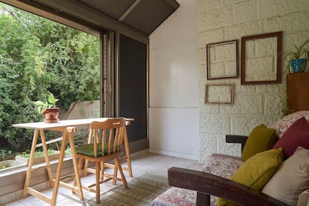 Beautiful Home; Stunning Location - Jerozolima - Apartament