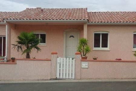 belle maison aux portes d ALBI - Haus