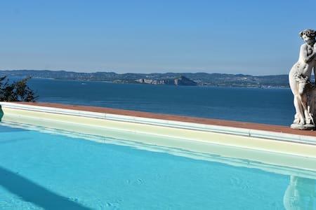 Vintage Villa With Pool And Stunning Lake Views - Torri del Benaco - Villa