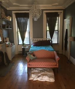Charming 1br - Hoboken on Central Washington St. - Lakás