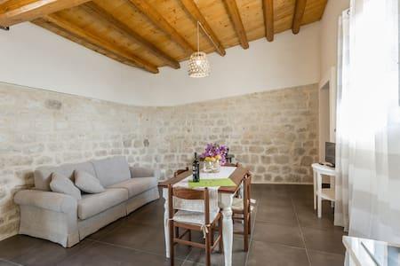 """La dimora del Decano """"Granaio"""" Centro benessere - Sicilien - Lägenhet"""