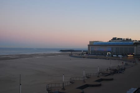 Spacious and cosy apartment at the beachside - Oostende - Apartament