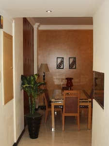 Fully furnished 2BD 16th Floor Apt - Appartamento
