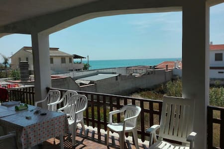 Appartamento vista mare - Triscina - Apartment