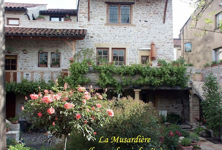Cottage La Musardiere - downtown - Cluny