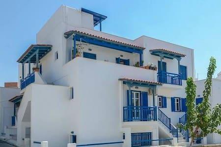 Marileta Apartments - Apartment