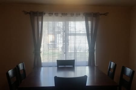 FULLY LOADED 3 BR Home 2Bath Wash/D - Marvell - House