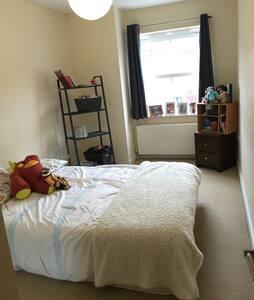 Nice bedroom for two in Midhurst! - Midhurst - Pis
