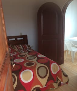 QUIET ROOM IN HUANCHACO TOWN ..TO STEPS FROM THE BEACH and principal market. WE SPEAK ENGLISH ,Italian an Portuguese ...