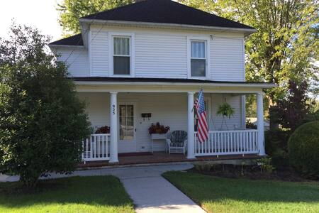 Large historical home located near VT and RU. - Christiansburg