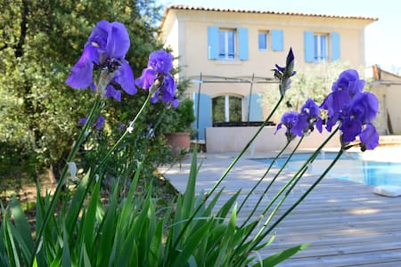 Villa au calme dans la nature proche du village - Villa