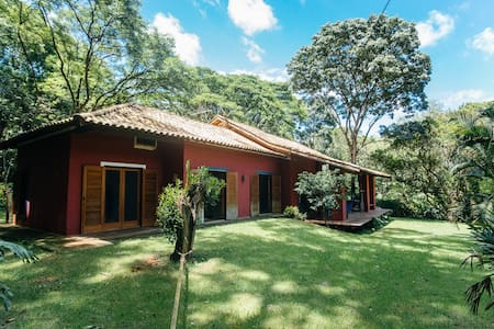 Casa em bosque na cidade das Flores - Holambra - Casa