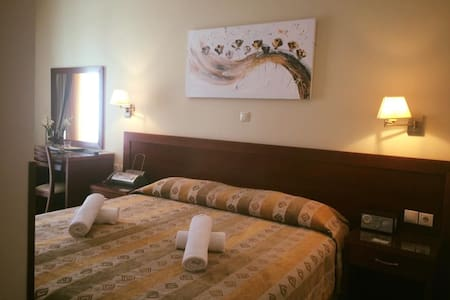 ***Hotel Nefeli *** - Therma - Bed & Breakfast